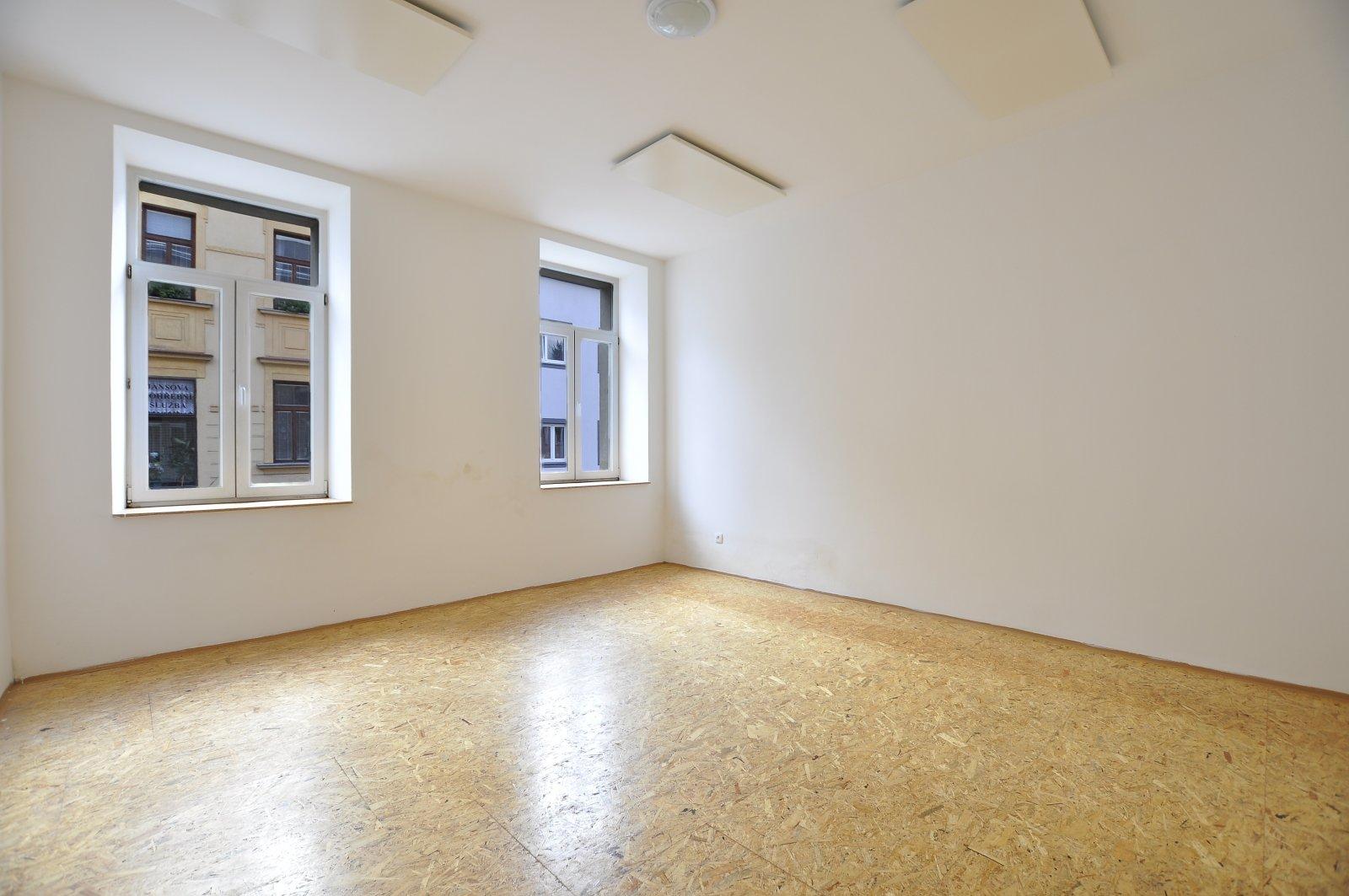 Pronájem: Zděný byt 1+1 po rekonstrukci, Úpice - centrum, okres Trutnov