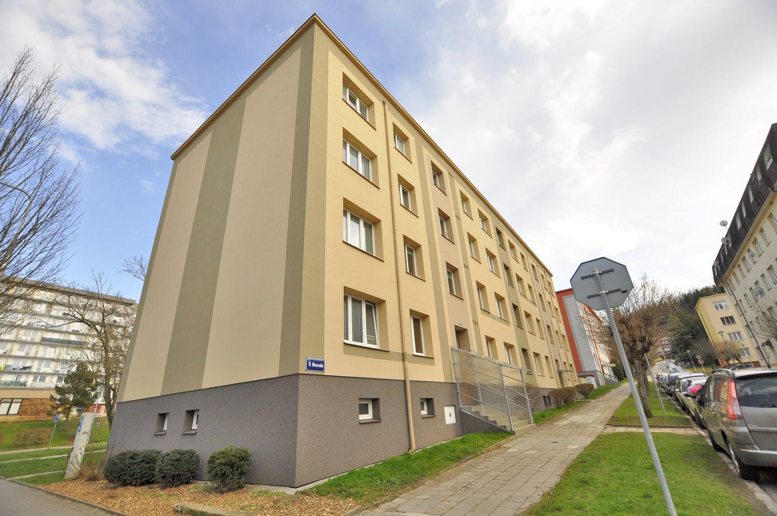 Rezervováno: Zděný byt 3+1, OV, po částečné rekonstrukci, Kryblice - V. Nezvala