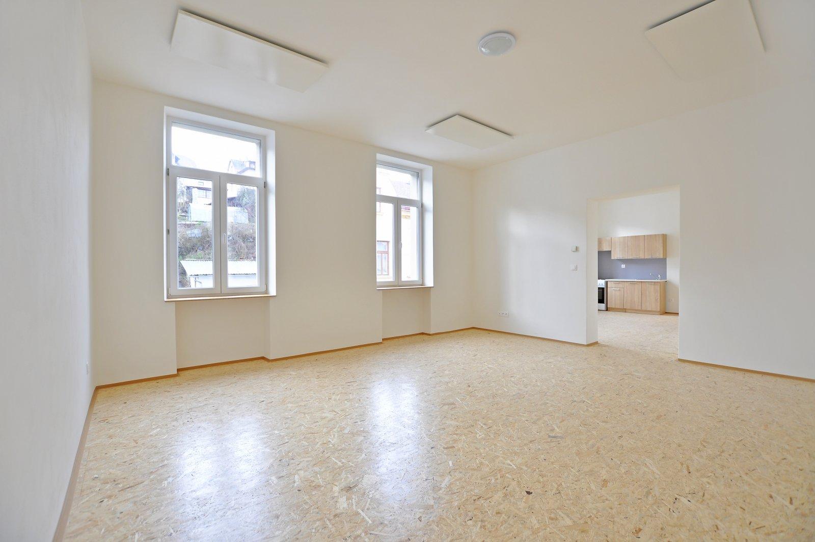 Pronájem: Zděný byt 2+kk po rekonstrukci, Úpice - centrum, okres Trutnov
