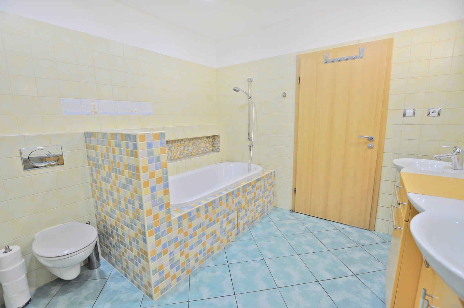 Prodáno: Zděný byt 4+1 po kompletní rekonstrukci, včetně vybavení, Trutnov - centrum, ul. Lípová