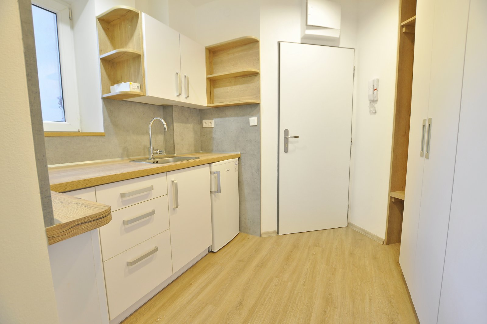 Rezervováno: Zděný byt 1+1, po kompletní nákladné rekonstrukci, Trutnov - ul. Břečtejnská
